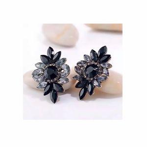 Jewelry - Black & Gray Antique Look Gem Stud Earrings